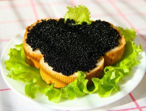 Рецепт бутерброда с черной икрой